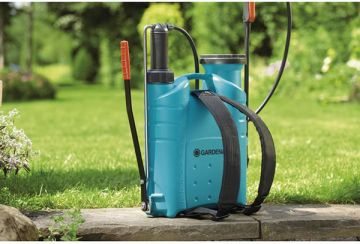 Bình xịt áp suất tưới cây 12 lít Gardena 00844-20